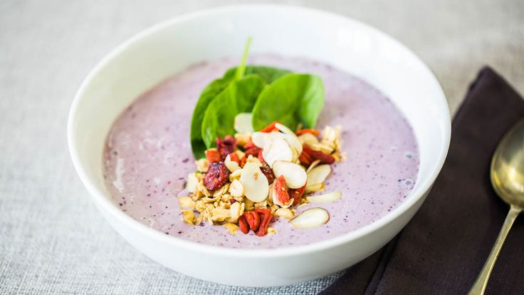 Mothers Day Cacao Smoothie Bowl